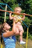 Madre con la niña Fotos de archivo