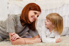 Madre con la piccola figlia Fotografia Stock