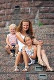 Madre con las hijas Fotografía de archivo