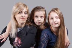 Madre con las hijas Foto de archivo libre de regalías