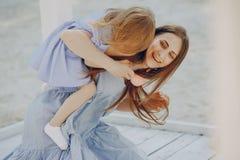 Madre con le figlie Immagini Stock