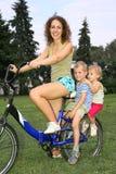 Madre con los niños fotografía de archivo libre de regalías