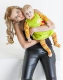 Madre con su bebé Fotografía de archivo libre de regalías
