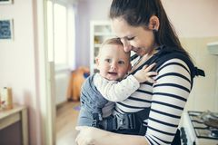 Madre con su hija foto de archivo