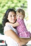 Madre con su hija hermosa Fotos de archivo libres de regalías