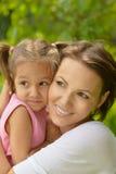 Madre con sua figlia Fotografie Stock Libere da Diritti