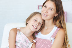 Madre con sua figlia immagini stock libere da diritti