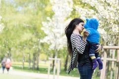 Madre con un bambino Immagine Stock Libera da Diritti