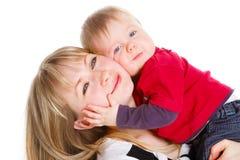Madre de abarcamiento del hijo Foto de archivo