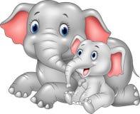 Madre de la historieta y elefante divertidos del bebé en el fondo blanco Imágenes de archivo libres de regalías