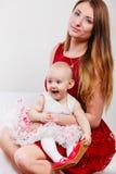 Madre di bellezza con il bambino Fotografie Stock Libere da Diritti