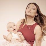 Madre di bellezza con il bambino Immagine Stock