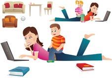 Madre e bambino al computer royalty illustrazione gratis