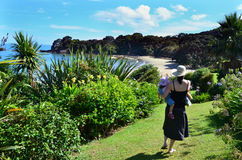 Madre e bambino sull'isola Fotografia Stock