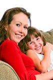 Madre e figlia abbastanza giovani fotografie stock libere da diritti