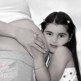 Madre e figlia incinte immagini stock