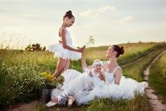 Madre e figlie della ballerina Immagine Stock Libera da Diritti