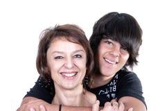 Madre e figlio che mostrano affetto Fotografie Stock Libere da Diritti