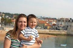 Madre e figlio felici Immagini Stock