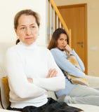 Madre e hija después de la pelea Imagen de archivo libre de regalías