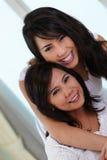 Madre e hija felices fotos de archivo