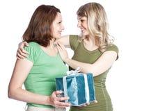 Madre e hija que celebran el día de madre Fotografía de archivo libre de regalías
