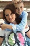 Madre e hijo adolescente Fotos de archivo