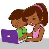 Madre e hijo en el ordenador libre illustration
