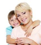 Madre e hijo felices de seis años Fotos de archivo libres de regalías