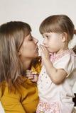 Madre e la figlia Fotografie Stock Libere da Diritti