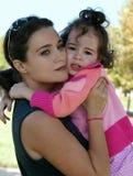 Madre e la sua figlia gridante Fotografia Stock