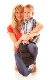 Madre madura feliz del retrato con el niño 6 años de muchacho aislado Foto de archivo libre de regalías