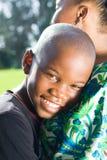 Madre que abraza al hijo Imagen de archivo libre de regalías