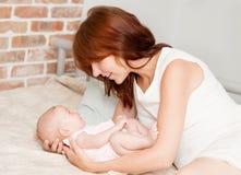 Madre y bebé Imagenes de archivo