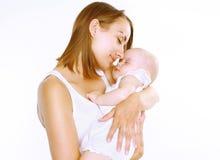 Madre y bebé del sueño foto de archivo libre de regalías