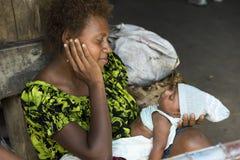 Madre y bebé recién nacido Imágenes de archivo libres de regalías