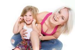 Madre y dauther felices Imagen de archivo libre de regalías