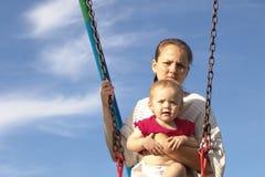 Madre y hija fotografía de archivo libre de regalías