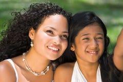 Madre y muchacha Foto de archivo libre de regalías