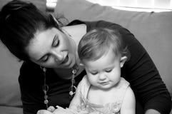 Madre y niño fotografía de archivo libre de regalías