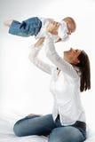 Madre y niño. Fotos de archivo libres de regalías