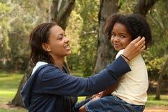 Madre y niño del afroamericano Fotografía de archivo libre de regalías