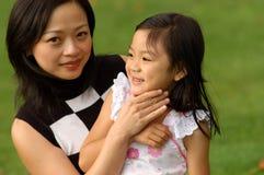 Madre y su hija Fotos de archivo libres de regalías