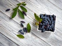 madreselva Una baya deliciosa Alimentos sanos Imagen de archivo
