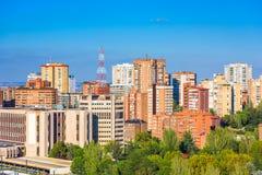 Madri, arquitetura da cidade do prédio de apartamentos da Espanha foto de stock royalty free