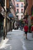 Madri, Espanha - podem 19 2018: Multid?o no quadrado de puerta del solenoide fotos de stock royalty free