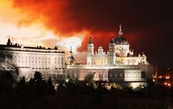 Madrid Almudena Cathedral, Spanien arkivbild