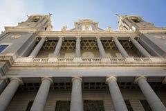 Madrid, Almudena Cathedral un giorno soleggiato luminoso Fotografia Stock