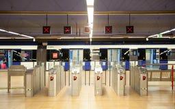 Madrid, Buis, ondergrondse post met forenzen die op trein wachten royalty-vrije stock fotografie