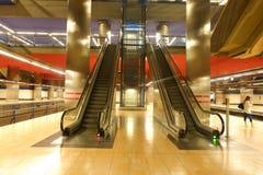 Madrid Chamartin tunnelbana och järnvägsstation arkivbild